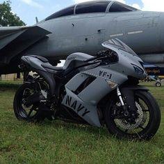 Bike Nations - Fails, Crash, Cops vs Bikers and much more! Triumph Motorcycles, Yamaha Bikes, Cool Motorcycles, Moto Car, Moto Bike, Motorcycle Bike, Motorcycle Quotes, Custom Street Bikes, Custom Sport Bikes