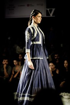 Rahul Mishra Couture 2016 For the modern day bride, elements from oldest hand techniques and artworks inspired by delicate flora of monsoons, Black Indian Gown, Indian Gowns, Indian Outfits, Indian Attire, Designer Lehnga Choli, India Fashion, Runway Fashion, Women's Fashion, Couture Week