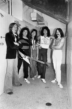 Image result for STEVE PERRY PHOTOS Great Bands, Cool Bands, Gregg Rolie, Journey Band, Neal Schon, Journey Steve Perry, Best Rock Bands, Celebs, Celebrities