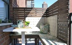DIY outdoor balcony dining area with DIY outdoor wood benches Balcony Privacy Screen, Patio Privacy, Privacy Panels, Balcony Blinds, Patio Fence, Apartment Balconies, Cool Apartments, Dining Booth, Dining Area