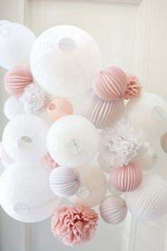 Chinese lantern: a wedding decoration idea in pink and white tones - Decoration For Home Deco Rose, Rose Trees, Red Roses, Wedding Decorations, Pastel, Pink, Chinese Lanterns Wedding, Rose Vintage, Wedding White