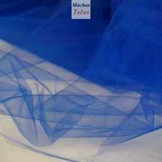Tul azulón. El tul es un tejido ligero realizado por un giramiento en el hilo de la urdimbre. Nuestro tul tiene una textura suave pero algo rígida y de rejilla pequeña. Se puede utilizar para la confección de prendas de vestir, artículos para el hogar y especialmente para prendas de carnaval.
