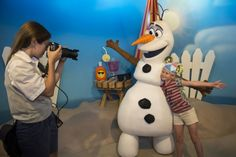 Meet Olaf from Frozen at the Celebrity Spotlight located in the Echo Lake area of Disney's Hollywood studios. - Click to read this great article from the TouringPlans Blog.  Learn how you can get a free TouringPlans subscription from http://www.buildabettermousetrip.com/free-touring-plans