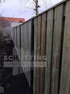 Een schutting trapsgewijs laten verlopen? Er is zoveel mogelijk, ook met hout-beton schuttingen!