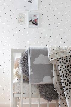 Zwart-wit kinderkamer // Black and white kids room (Mackapär)