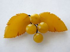 BAKELITE BROOCH tested bakelite 1920s butterscotch amber