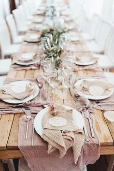 Light Linens - 25 Thanksgiving Tablescapes We Can't Wait To Try - Photos
