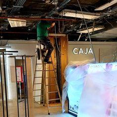 Empresa de servicios especializada en la instalación de mobiliario y equipamiento para el sector del retail en Canarias. Neon Signs, Shop Fittings, Stall Signs, Vinyls, Crates, Blue Prints