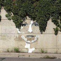 12 Creatively Placed Street Art (street art) - ODDEE