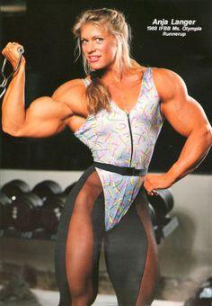 TBT, do you remember her? #femalemuscle #femalebodybuilding #bodybuilding #fitness #femalewrestlers #bikini femalemuscle.com