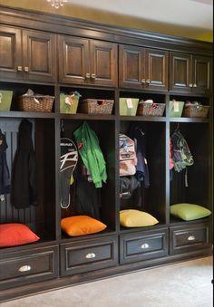 Ordenando Chaquetones, sombreros, y zapatos   Blog Tendencias y Decoración