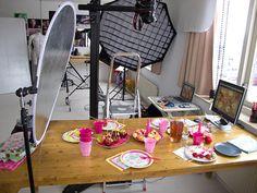 Behind the Scenes of a cupcake photoshoot, by Simone van den Berg