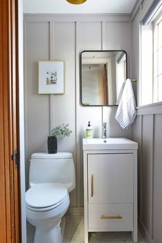 How To: Modern Board and Batten Powder Room - The Sweet Beast Hall Bathroom, Upstairs Bathrooms, Bathroom Renos, White Bathroom, Bathroom Renovations, Bathroom Ideas, Master Bathroom, Simple Bathroom, Bathroom Designs