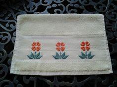 Maribel Garcia ....toalha de visita, em ponto reto ...