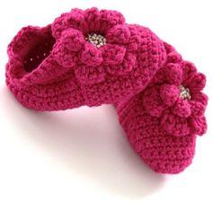 Çiçek motifli bebek patiği