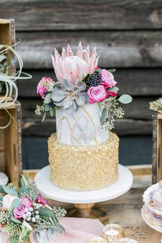 Cake created by Sweet Creations by Candi Photography by Alexis June Weddings, Event Design, Concept & Styling by The Perfect Palette, Floral Design by Forage and Flower #weddingcake #cake