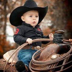 Cute little cowboy! Little Babies, Little Boys, Cute Babies, Baby Kids, Precious Children, Beautiful Children, Beautiful Babies, Cool Baby, Cowboy Girl