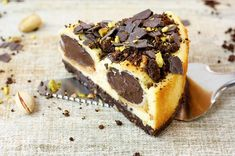 Profiterole cheesecake with chocolate filling and rum