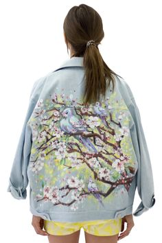 Jeans jacket with hand painting, bird, cherry blossom #achers#jeans#jacket#cherryblossom#bird#handpainting#jeansjacket#onesizejacket