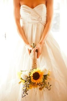 sunflower bouquet, oh yes! I love the wild flowers intermixed and the burlap around the stems - so pretty!