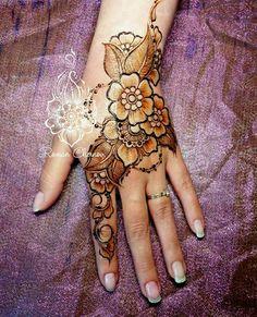 Stylish Mehndi Designs, Beautiful Mehndi Design, Best Mehndi Designs, Henna Tattoo Designs, Hena Designs, Mehandi Designs, Mehandi Henna, Hand Mehndi, Mehndi Tattoo