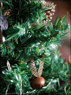 How to Make Your Own Christmas Tree Ornaments : Jingle Bell Ornament    www.thedecorbar.com