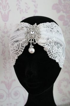 Items similar to Great Gatsby Headband Downton Abbey Vintage Inspired lace headdress Great Gatsby headpiece bridal headdress. on Etsy Great Gatsby Headpiece, Gatsby Headband, 1920s Headpiece, Bridal Headdress, Bridal Headpieces, Fascinators, Vintage Dresses, Vintage Outfits, Vintage Fashion