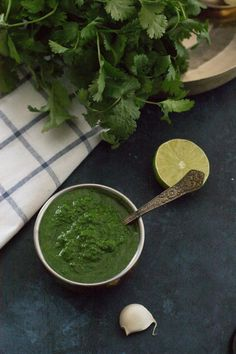 Green chutney recipe for Indian street food (chaat) - Learn how to make this simple and flavorful coriander or cilantro chutney and master the secret recipe that makes most Indian street food so finger-licking good. #Indiancuisine #healthyindianrecipes #indianvegetarianrecipes #ethniccuisine #worldcuisine #indianfood