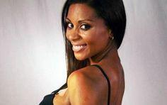 El sensual desnudo de Dominique Lattimore que sacó más de un suspiro en la web - AR13