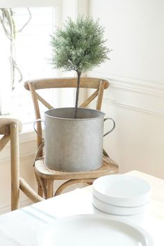 Little Farmstead: New Chairs and Greenery in the Dining Room. Farmhouse Style Dining Table, Shabby Chic Dining Room, Shabby Chic Fabric, Shabby Chic Style, Shabby Chic Decor, Rustic Farmhouse, Vintage Light Fixtures, Vintage Lighting, Pastel Decor