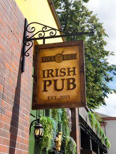 Rock 'N' Roll pub signboard. Irish Pub Interior, Bar Interior, Interior And Exterior, Rock N Roll, Exterior Design, Rolls, Home Decor, Decoration Home, Rock And Roll