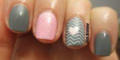 Kick Acetone: Pink and gray nails