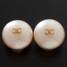 Vintage Chanel Earrings In Pearl
