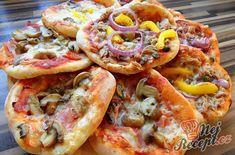 Recept Minipizzy - 13 ks z jedné dávky) Mini Pizzas, Pasta Recipes, Baking Recipes, Taco Pizza, Party Buffet, Quick Dinner Recipes, Hawaiian Pizza, Bon Appetit, Vegetable Pizza