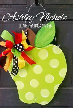 Makes a great teacher's gift or fun decoration. Includes a brightly colored bow. Great for back-to-school time! Made using plywood with a painted back for a more polished look. Size: x Teacher Door Signs, Teacher Door Hangers, Wood School, School Doors, Teacher Graduation Gifts, Great Teacher Gifts, Apple Decorations, School Decorations, Diy Arts And Crafts