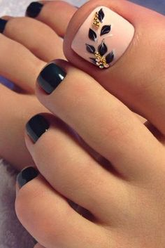 Cute toe nail art design idea for fall and winter season