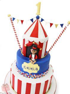 1st Birthday Circus Themed Cake | http://blog.pinkcakebox.com/1st-birthday-circus-themed-cake-2014-11-22.htm