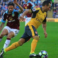 Arsene Wenger could stay as Arsenal boss for another year - Santi Cazorla