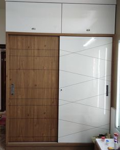 Glass Wardrobe, Bedroom Built In Wardrobe, Wardrobe Doors, Wardrobe Closet, Wadrobe Design, Wardrobe Laminate Design, Row House Design, Sliding Door Wardrobe Designs, Barn Door Decor