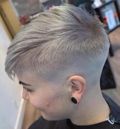 Women's Short Ash Blonde Undercut