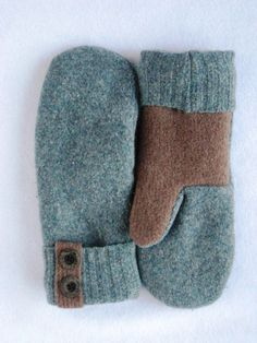 Women& Wool Mittens Crafted from a Recycled by WindyCityWinter Sweater Mittens, Old Sweater, Brown Sweater, Vintage Jewelry Crafts, Diy Jewelry, Jewelry Making, Finger Crochet, Recycled Sweaters, Felted Slippers