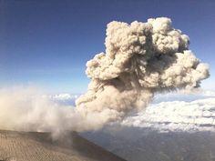 Letupan kawah Jonggring Saloko