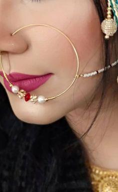 Showcasing the best of Indian jewelry designs. by AdaaJewels Pakistani Bridal Jewelry, Indian Bridal Jewelry Sets, Indian Wedding Jewelry, Bridal Accessories, Nath Bridal, Wedding Veils, Bridal Lehenga, Bridal Headpieces, Wedding Hair