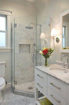 Beautiful Small Bathroom Shower Remodel Ideas – Page 46 of 76 Schöne kleine Badezimmer Dusche Remodel Ideas – Small Bathroom Ideas On A Budget, Small Bathroom With Shower, Bathroom Design Small, Bathroom Layout, Bathroom Interior, Modern Bathroom, Budget Bathroom, Simple Bathroom, Bathroom Mirrors