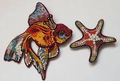 """Новая коллекция"""" Пора на море!"""", Золотая рыбка и звездочка, броши вышитые руками #украшенияручнойработы #брошь #золотаярыбка #вышивка #бисер #стеклярус #авторскийпроект #сашагрузинова #поранаморе #вышивка #вединственномэкземпляре #можнозаказать #embroidery #handmade #brooch#goldenfish #madewithlove #accessories #sashagruzinova #"""
