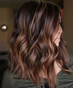 10 Trendy Brown Balayage Hairstyles for Medium Length Hair - ., 10 Trendy Brown Balayage Hairstyles for Medium Length Hair - ., Trendfrisuren Bob, akkurater Mittelscheitel oder People from france Cut Cease to live Frisurentrends. Brown Hair Balayage, Brown Hair With Highlights, Hair Color Highlights, Hair Color Balayage, Ombre Hair, Caramel Balayage, Caramel Highlights, Chocolate Highlights, Balayage Ombre