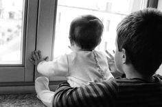 Quando un apparente complimento può creare gelosia tra fratelli. - Just Be Glam