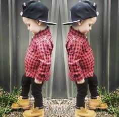 if this kid's pants were baggier and not stupid skinny jeans his outfit would be #perfection