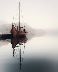 Vikings ⚔️ TAG someone that would love this 😍 Sandane, Norway 🇳🇴 photo by Vikings Art, Viking Aesthetic, Norwegian Vikings, Norway Nature, Viking Ship, Its A Mans World, Norse Mythology, Belle Photo, Sailing Ships