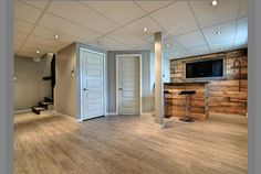 Sous-sol Basement Gym, Basement Remodeling, Basement Ideas, My House, House Bar, Bars For Home, Decoration, Condo, Family Room